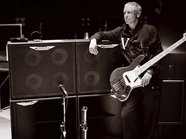 ashdown_amps-vertigo_tour-2005-2006.jpg